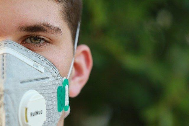 Maseczki jednorazowe – wyrób medyczny czy środek ochrony indywidualnej?